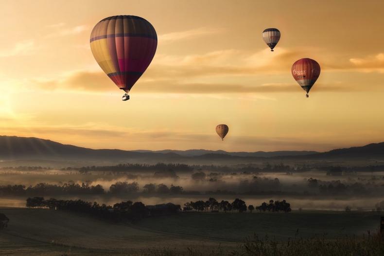 hot-air-ballons-1373167-1280.jpg